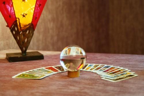 boule-de-cristal1-500x333